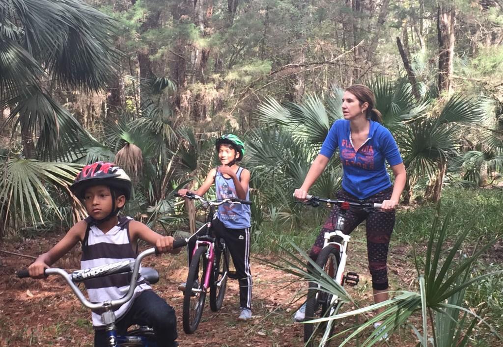 mountain bike hike with kids